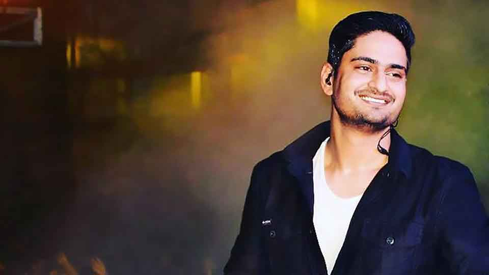 Amit Mishra is an Indian singer, songwriter, voice actor and live performer, Songstune.com